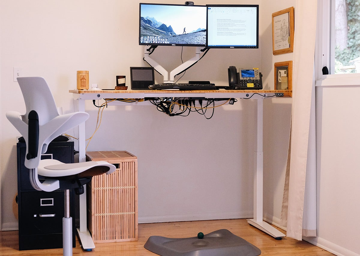 Chad's Fully Jarvis standing desk setup where he trained for his alpine run