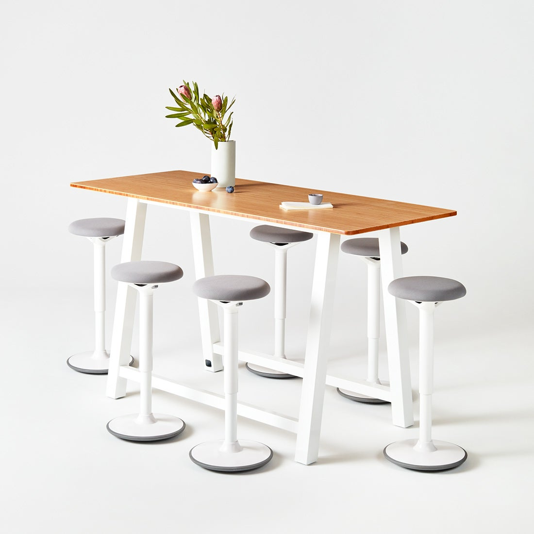 Colbe Bamboo Breakout table with White frame and Luna stools