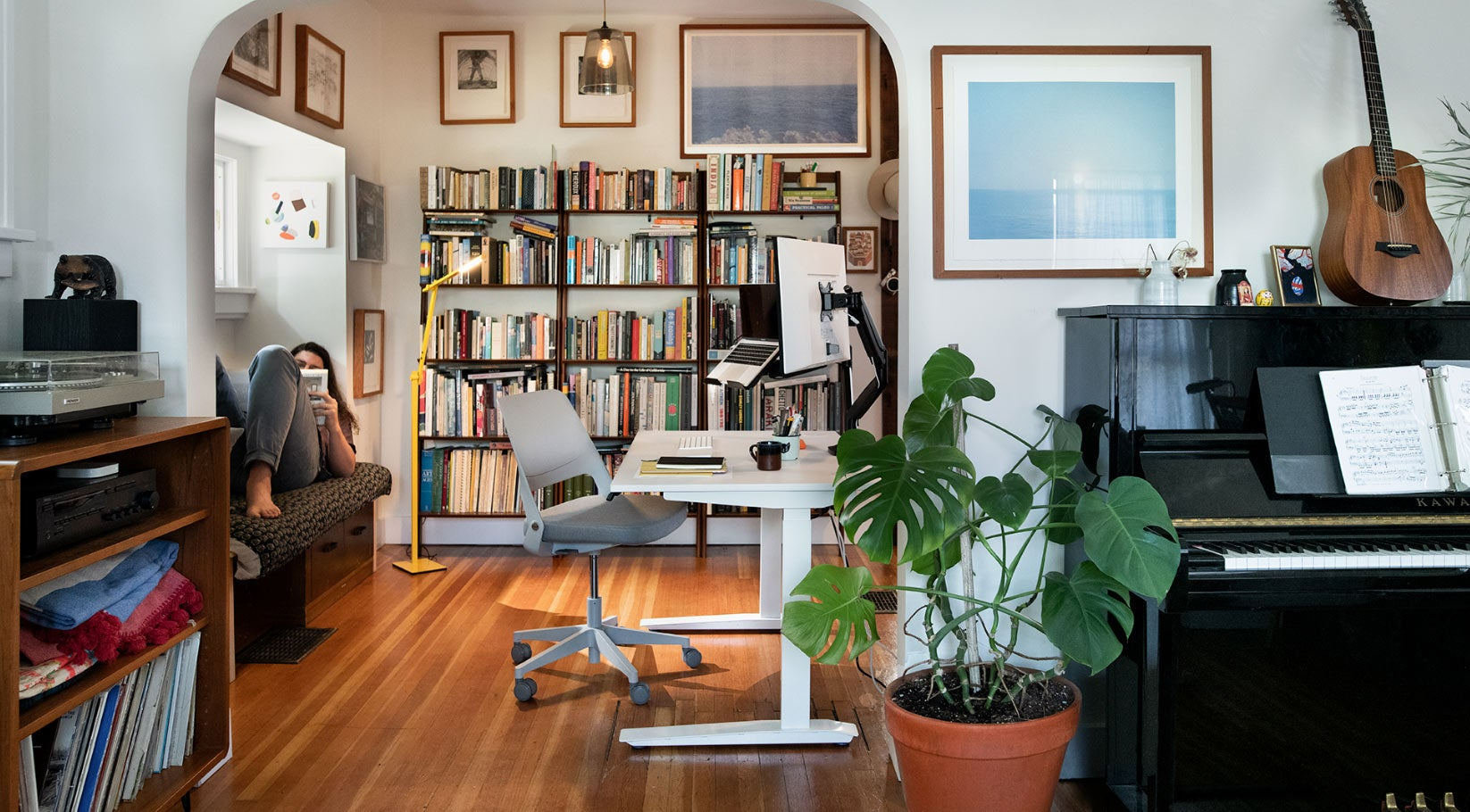 lifestyle image jarvis standing desk ollo chair and jarvis monitor arm